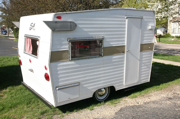 best 25 small campers for sale ideas on pinterest small trailers for sale space trailer and. Black Bedroom Furniture Sets. Home Design Ideas