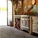 """IN THE PRESS Su homify Spagna un articolo su """"20 cucine rustiche con particolari in pietra"""" con la nostra Cucina dallo style country con piano e pavimenti in travertino.  La pietra infatti anche in cucina può essere impiegata per rivestimenti e decorazioni adattandosi ad ogni stile: rustico, moderno, elegante o minimale. Vai all'articolo: https://www.homify.com.ar/libros_de_ideas/2660535/20-cocinas-rusticas-y-maravillosas-con-detalles-en-piedra"""
