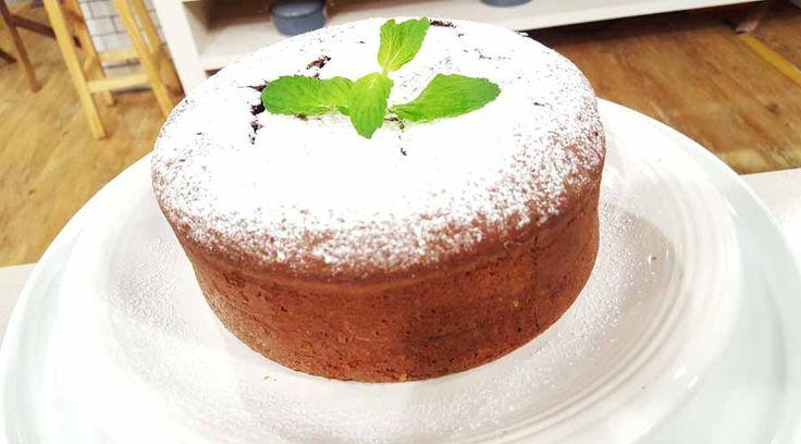 Torta volcán con corazón de chocolate fundido