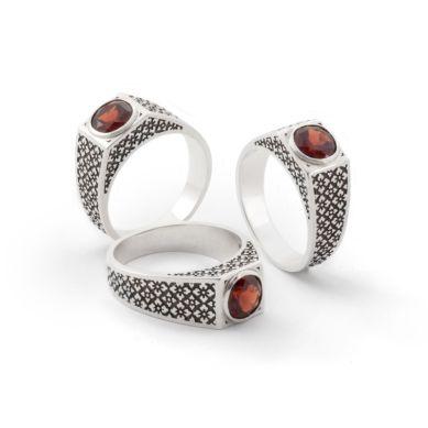 Patterned Garnet Ring. Geoff Mitchell design.