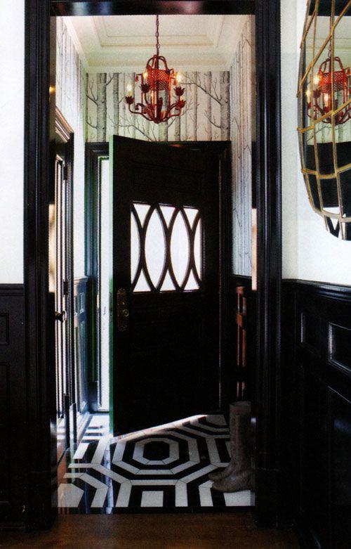 Beautiful entryways: Decor, The Doors, Houses, Black Doors, Floors, Black And White, Front Doors, Homes, Entryway