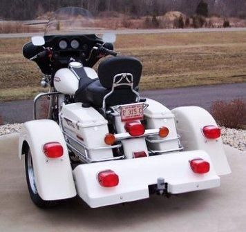 Harley trike motorcycle with voyager classic