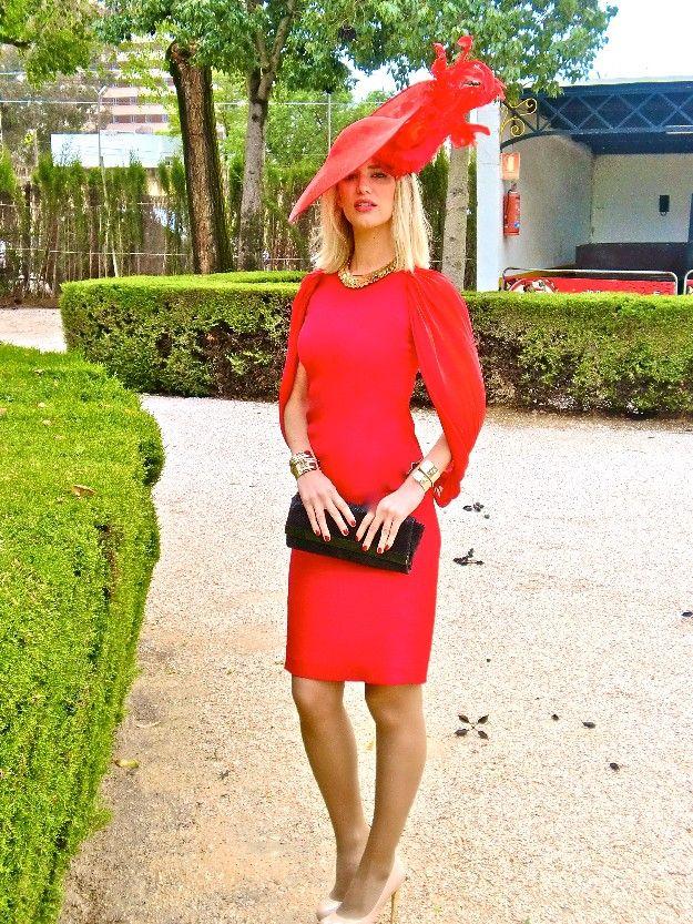 Hola amigos, Hoy os quiero hablar de la boda que tuve el pasado Sábado en Sevilla, de una mis grandes amigas de la industria de la moda, la conozco de toda la vida del colegio pero nuestros trabajos nos ha hecho unirnos más ¡Enhorabuena Rocío!