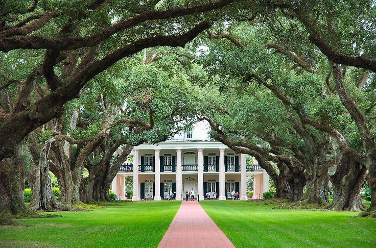 plantation style homes | Dream home Southern plantation style | Places & Spaces