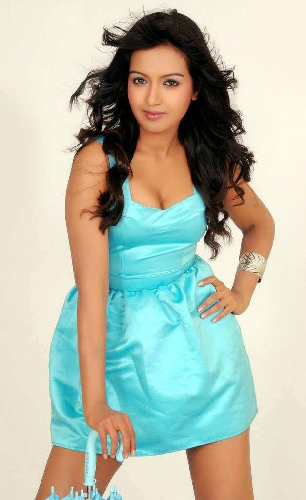 C, Catherine Tresa, Catherine Tresa Hot mages, Actress, HD Actress Gallery, Hot Images, Indian Actress, latest Actress HD Photo Gallery, Latest actress Stills, Tamil Actress photo Gallery, Telugu Movie Actress, Tollywood Actress, teluguone, ciniforest, kevvkeka, manacinemaimages, telugu movie actress, hdphotos for telugu movie actress,