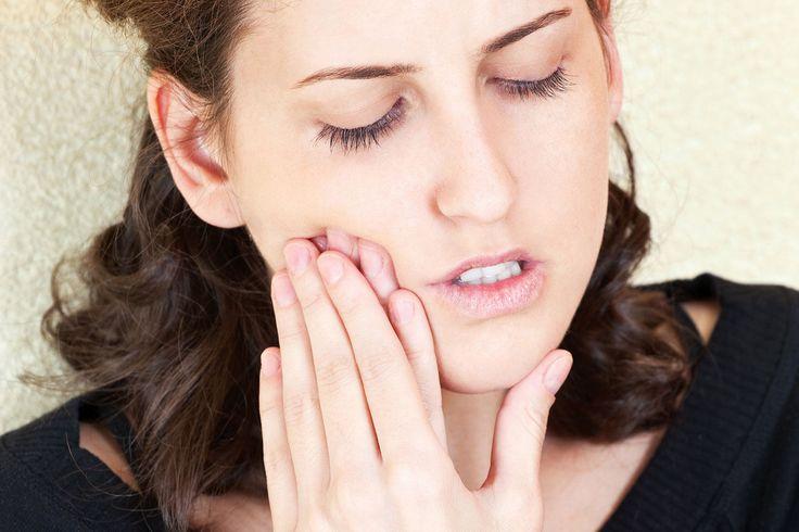 Interessanter Artikel zum Thema Zahnschmerzen & Kieferschmerzen. In beiden Fällen hilft #ZahnarztBerlin Casa Dentalis Ihnen an 365 Tagen im Jahr. Damit Sie auch an Sonn- und Feiertagen die beste zahnärztliche Versorgung bekommen. Info & Anfahrt: http://www.casa-dentalis.de/ #Zahnschmerz #Kieferschmerz