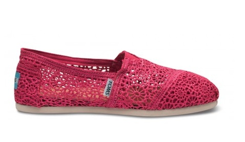 I want these tomsLace Tom, Fashion Shoes, Classic Tom, Crochet Tom, Crochet Women, Tom Shoes, Crochet Woman, Fuchsia Crochet, Women Classic