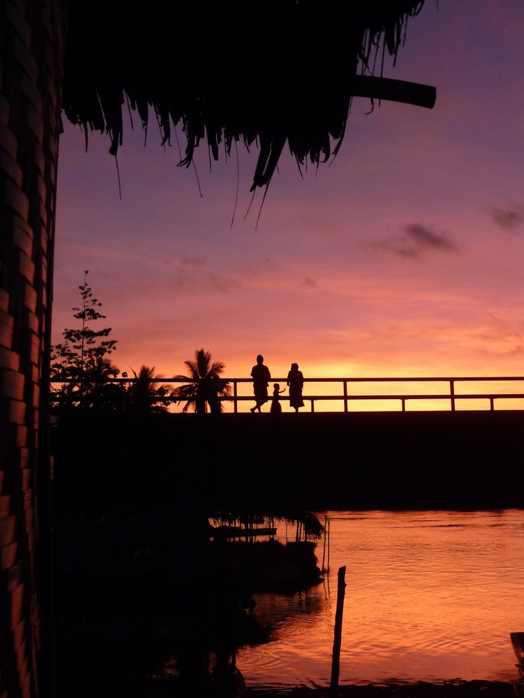 Sunset over the Lakekamu River. On the way to the Bulldog Track. Papua New Guinea