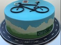 Road cyclist themed 40th birthday cake