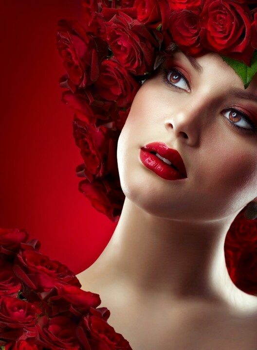 Beautiful woman wearing red roses. #red #roses #portraitphotography
