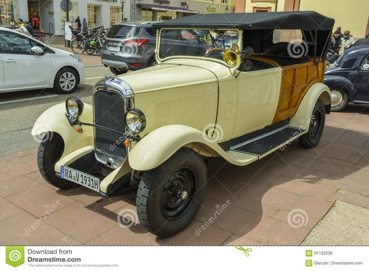 Citroen C4 G Torpedo, Classic Car - Download From Over 58 Million High Quality Stock Photos, Images, Vectors. Sign up for FREE today. Image: 91132539