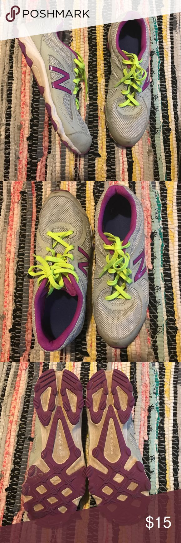 New Balance Women's 520 Size 10 Great condition, besides a few marks on the front. New Balance Shoes Athletic Shoes