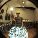 Distretto Roma. Da Luca Trevisani a Rä Di Martino, l'arte arriva in strada con le vetrine dei negozi: otto giorni di Vetrinale, qui ci sono le prime immagini