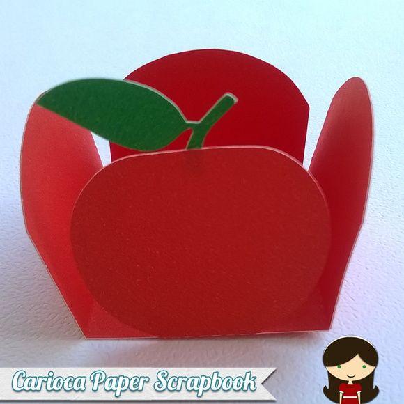 Forminhas+personalizada+em+formato+de+maçã+confeccionadas+em+papel+180g.+O+valor+refere-se+a+30+unidades.+A+forma+possui+3,5+ Mais