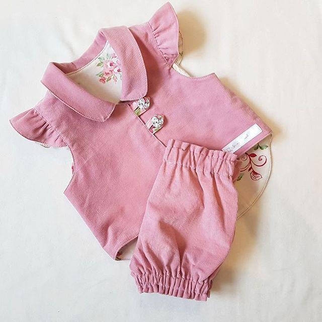 Auch supersüß mit passenden Bloomers!!! Strumpfhose drunter und Langarmshirt, Stiefelchen und das Outfit ist perfekt!!!  . . . . . #ootd #outfit #outfitoftheday #outfitinspiration #herbst #herzallerliebst #soooniedlichmw #babycord #weste #selbstgenäht #mitliebegemacht #baby2017 #herbstlich #babymode #babyfashion