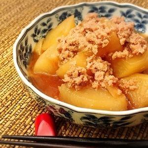 海外で和食 とても簡単【大根のそぼろ煮】 by Little Darling (佐々木 美恵)さん | レシピブログ - 料理ブログのレシピ満載! アメリカでも、大根を買うことができます。 私が住むダラス近郊には、中華系や韓国系、ベトナム系のスーパーも多く、 いろいろな種類の大根が選べます。  おでんや煮物には、なんといっても韓国大根。 太くて...