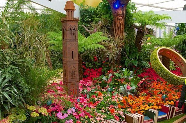 http://londonist.com/2014/05/rhs-chelsea-flower-show-2014-coming-soon.php | RHS Chelsea Flower Show 2014 Coming Soon | Londonist