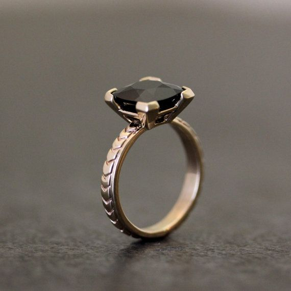 black spinel yellow gold engagement ring | #halloween #wedding