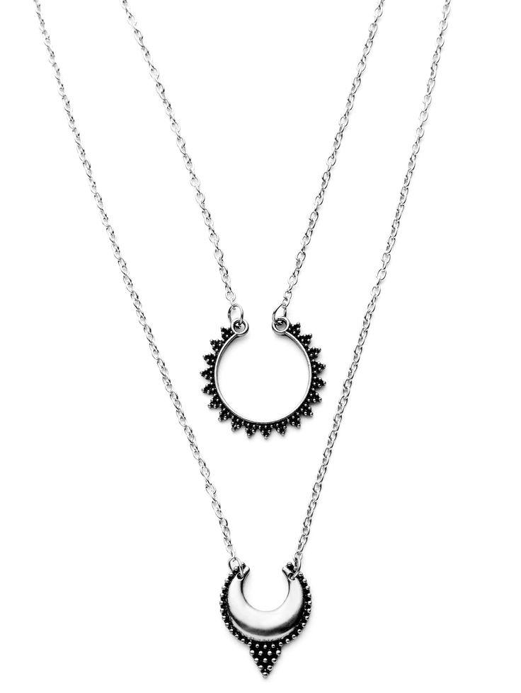 Antique Silver Double Layer Moon Design Pendant Necklace -SheIn(Sheinside)
