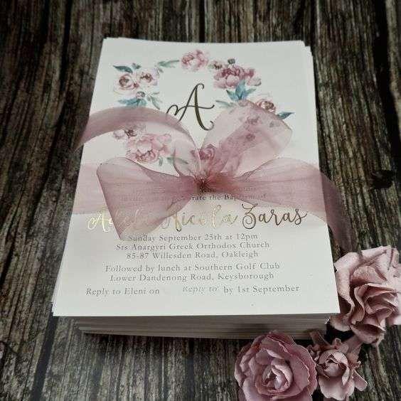 Invitaciones bautizo: fotos ideas para imprimir - Invitación para niña con decoración floral