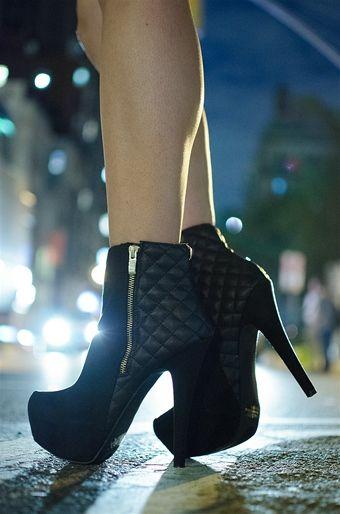Plataforma Stiletto Ankle Booties - Black