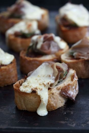 Bruschetta with Coppa, Basil and Mozarella recipe on http://www.nomu.co.za/recipes