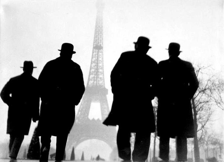 © Else Thalemann: Tours Eiffel, White Photography, Eiffel Towers, Bw Photography, Photography Art, Of The, Dos Regard, Ver 1925, La Tours
