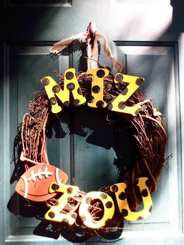 Missouri Tigers football wreath! #DIY: Mizzou Wreaths, Colleges Football Wreaths, Tigers Football, Mizzou Rah, Missouri Tigers, Great Ideas, Crafts Diy, Mizzou College, Diy Projects