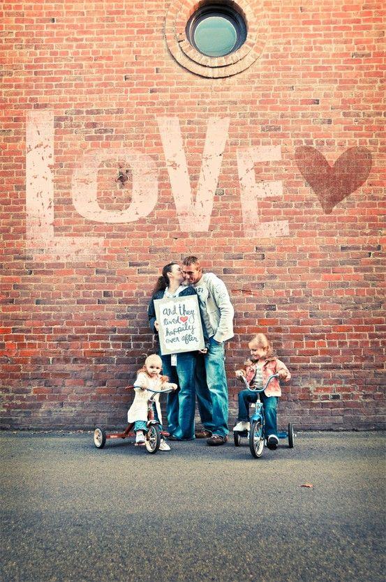 LOVEly Family Photo Idea