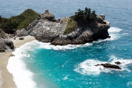 Calififornia's central coast offers well-maintained beaches and deep-blue waters.