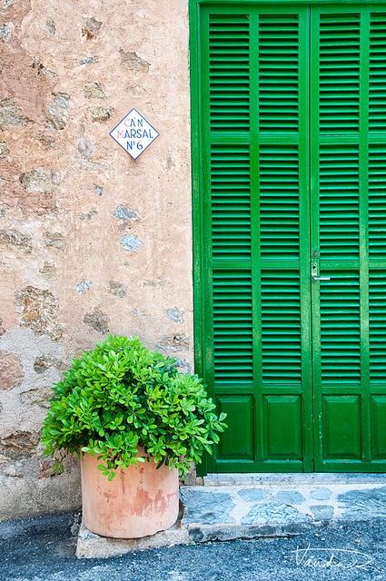 Fornalutx, Mallorca by Vanda Ralevska, via Flickr