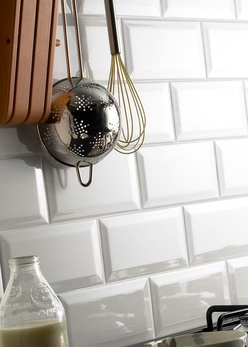 I want this kind of tiles for my kitchen. They are just like the ones in Paris' metro!