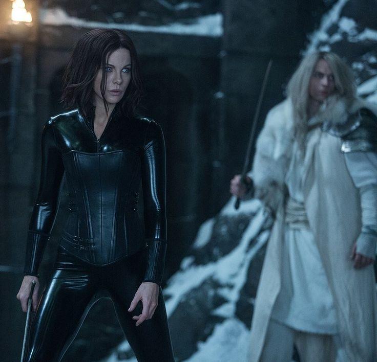 Selene (Kate Beckinsale) hunting! Official shot from Underworld: Blood Wars