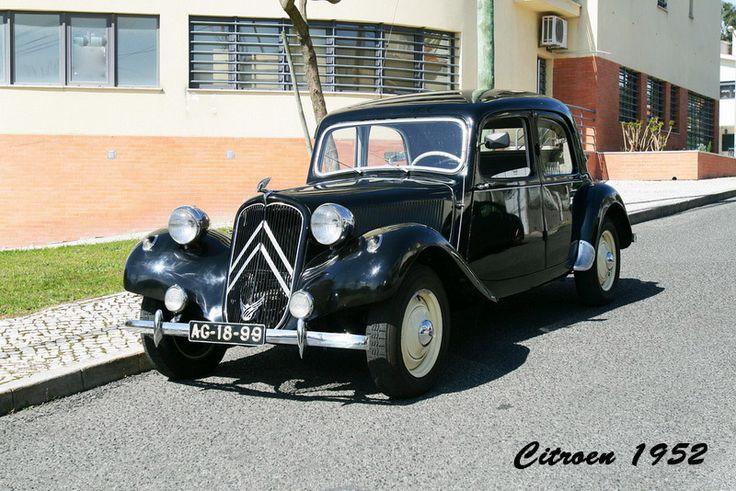 """Citroen 1952, modelo Traction Avant ou """"arrastadeira""""."""