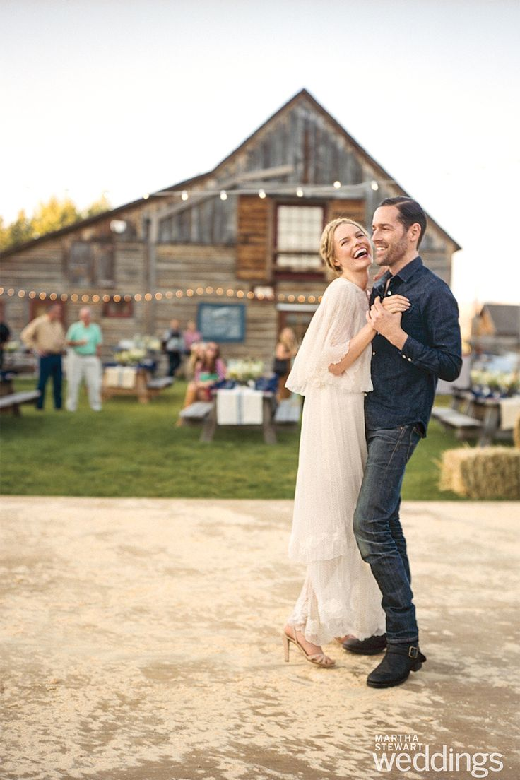 In love with this image from Kate Bosworth's wedding (and that vintage Chloe dress)