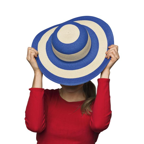 Kapelusz z rondem. Również w kremowo-czarne pasy, w kolorze niebieskim, czarnym i naturalnym. #kapelusz
