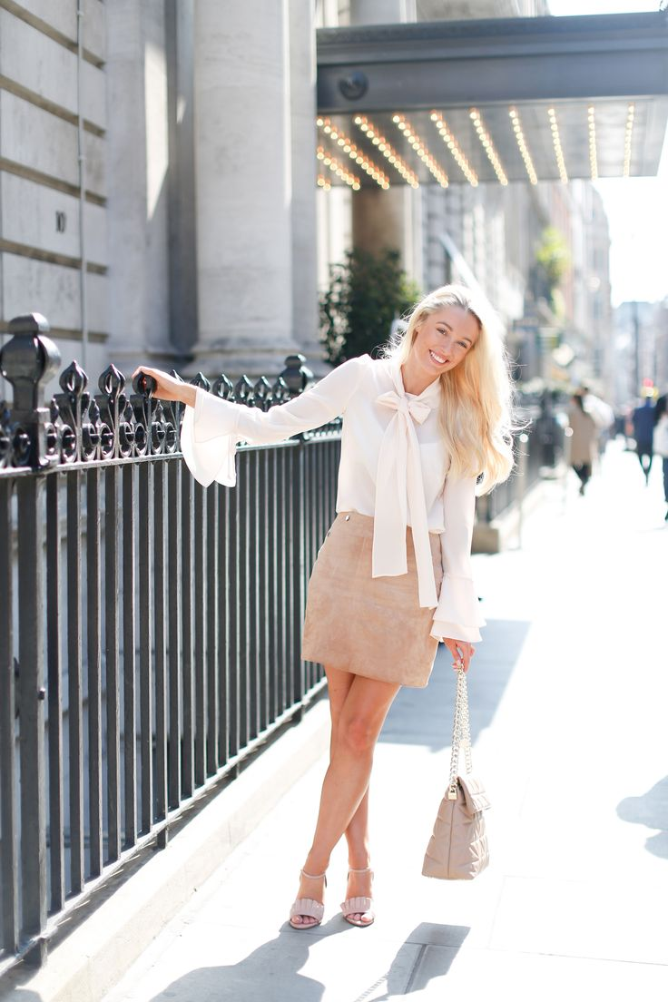 How To Wear a Suede Skirt this Spring - Fashion Mumblr