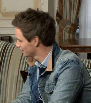Addicted to Eddie: FredCarpet: Fantastic Beasts interview video (gifs, screenshots)
