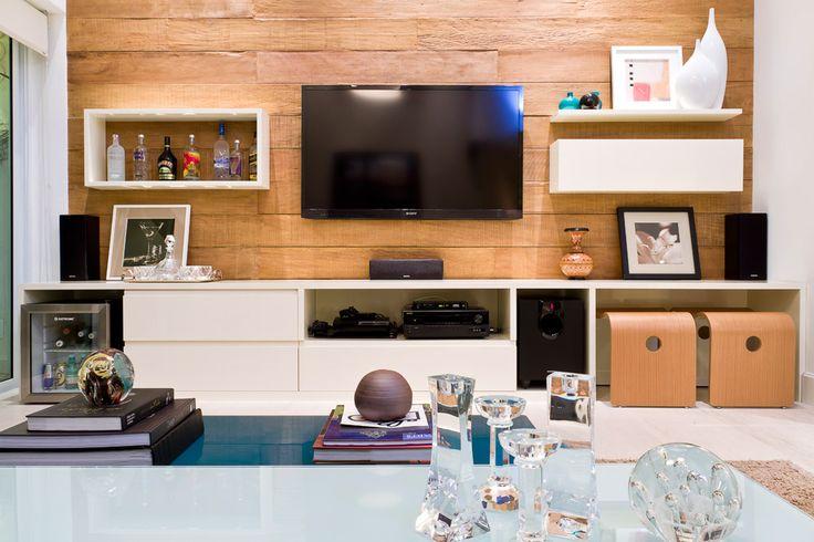 Decoração na medida certa. Veja: http://casadevalentina.com.br/projetos/detalhes/na-medida-ideal-555 #details #interior #design #decoracao #detalhes #decor #home #casa #design #idea #ideia #charm #charme #casadevalentina #livingroom #saladeestar