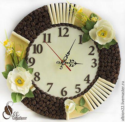 Часы для дома ручной работы. Ярмарка Мастеров - ручная работа. Купить Настенные часы-панно из кофейных зёрен и фоамирана. Handmade.