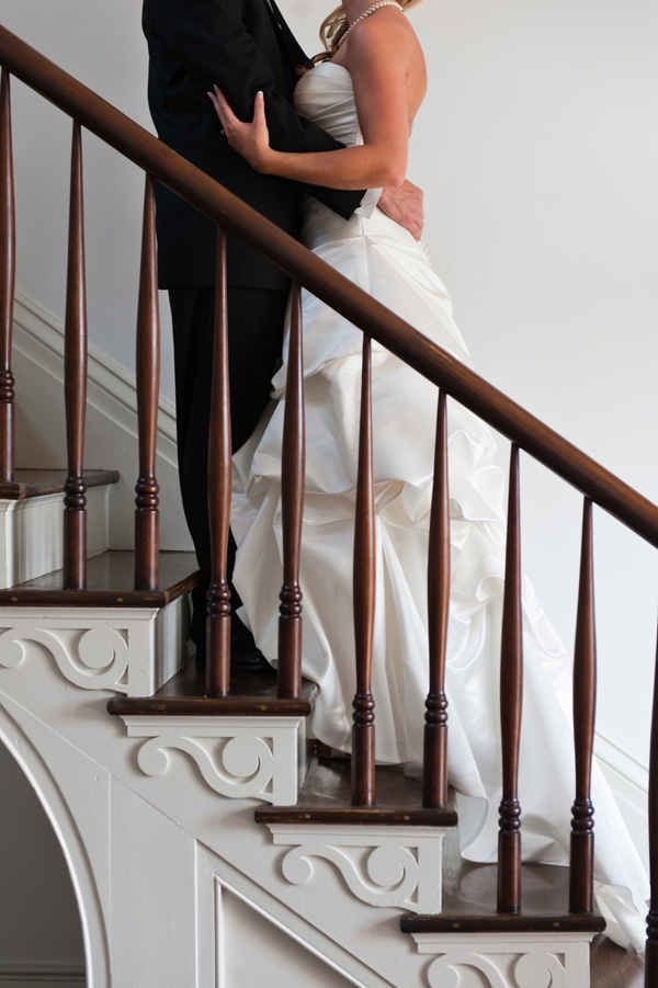 """Cute wedding picture idea.""    the manor has some pretty steps :)"