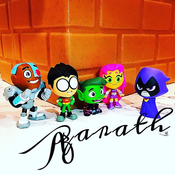 Geek Toys For Grown Ups : Más de ideas increíbles sobre robin y raven en