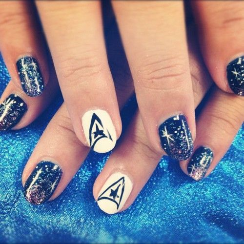 STAR TREK NAILS!!! So nerdy and sooooo good!