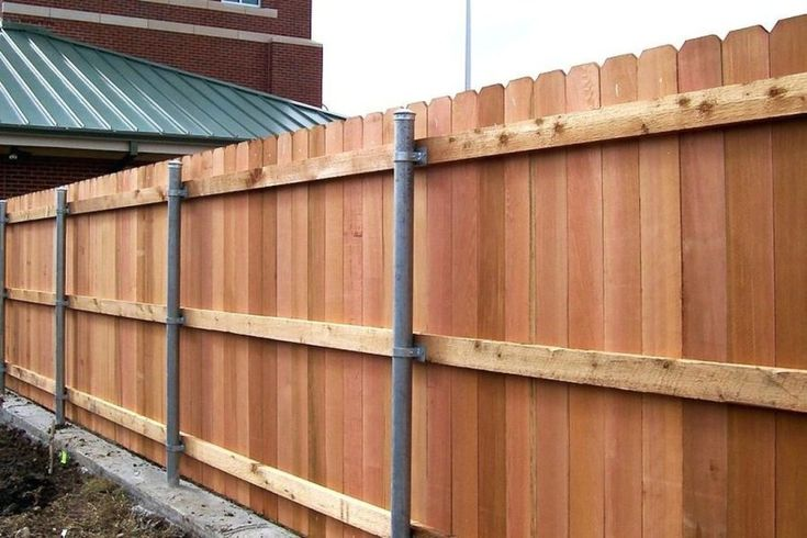 Astonishing sloped yard fence ideas for house 03 privacy