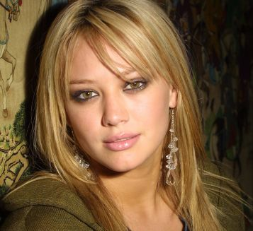 hillary duff hairstyles | Hilary Duff With Side Swept Bangs With Long Layered Hairstyle ...
