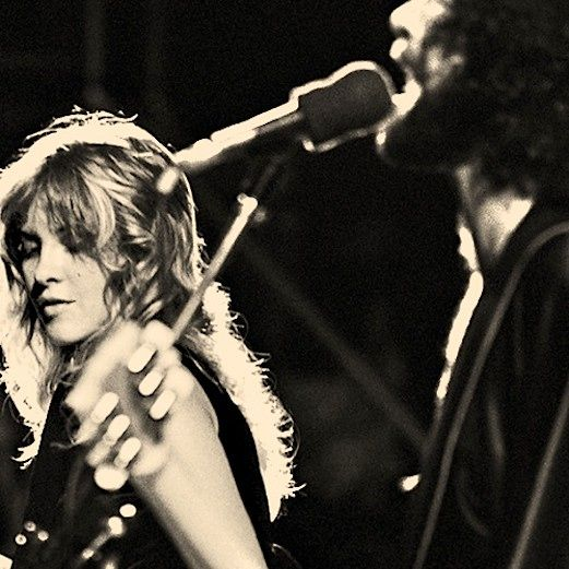 """Stevie to Lindsay: """"Now there you go again you say you want your freedom, well who am I to keep you down? It's only right that you should say the way you feel"""" Lindsay to Stevie: """"YOU CAN GO YOUR OWN WAY!!!!"""""""