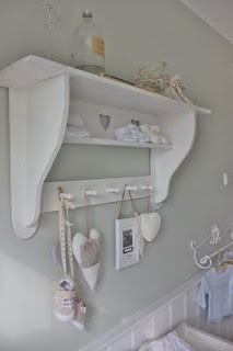 24 Homes: Nursery Wardrobe / Babykamer wandkastje