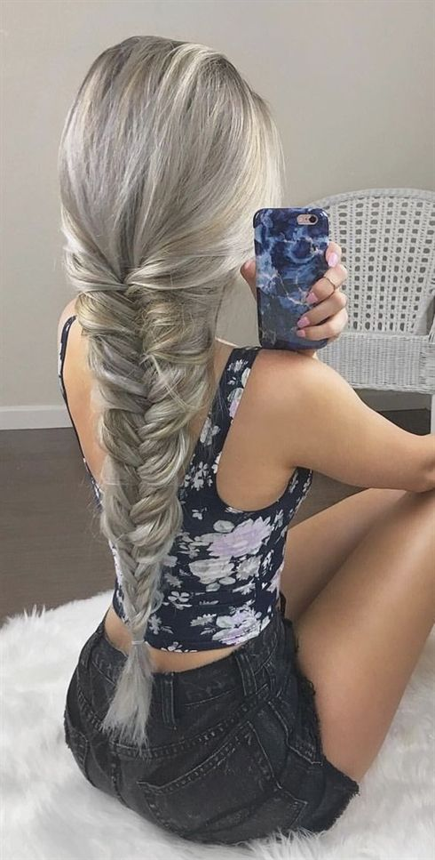 Valentine's Day is just around the corner and all lovers are so excited about the day, especially girls are crazier about the day. You want to look great and super stylish at the time # 2018 #dresser #medium long #pony #styles # hairstyle trend #hair #middle #bob #women # hairstyle trend #hort hair #hair