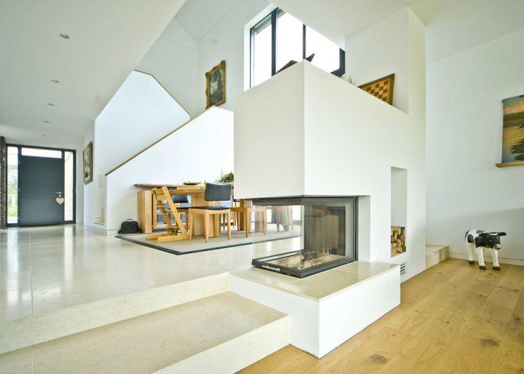 Haus H : Moderne Häuser von Michelmann-Architekt GmbH