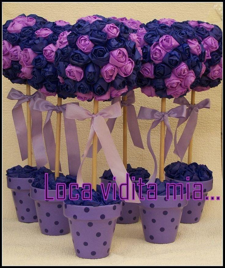 TOPIARIO con flores echas de papel  Rosas rococo con moño